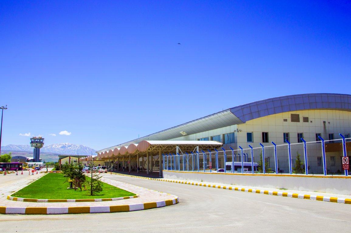van ferit melen havalimanı